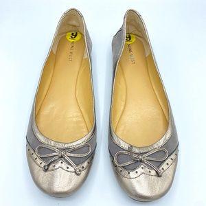 Nine West Grey Metallic Ballet Oxford Flats Size 9